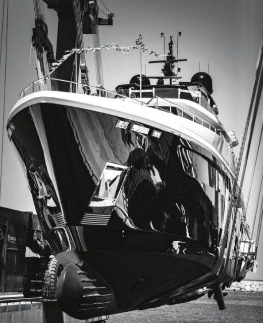 cl-yacht-in-sling-bw.jpg