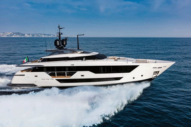 custom-line-106-superyacht.jpg
