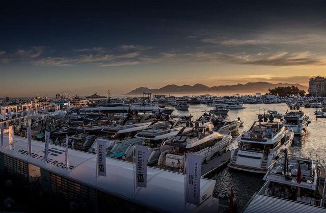 ferretti-group-fleet-cannes-world-yachts-trophies.jpg
