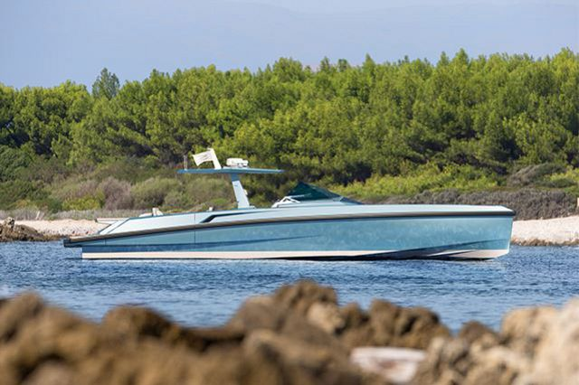 wally-yachts-ferretti-group-accouncementjpg.jpg