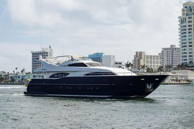 custom-line-used-yacht-for-sale