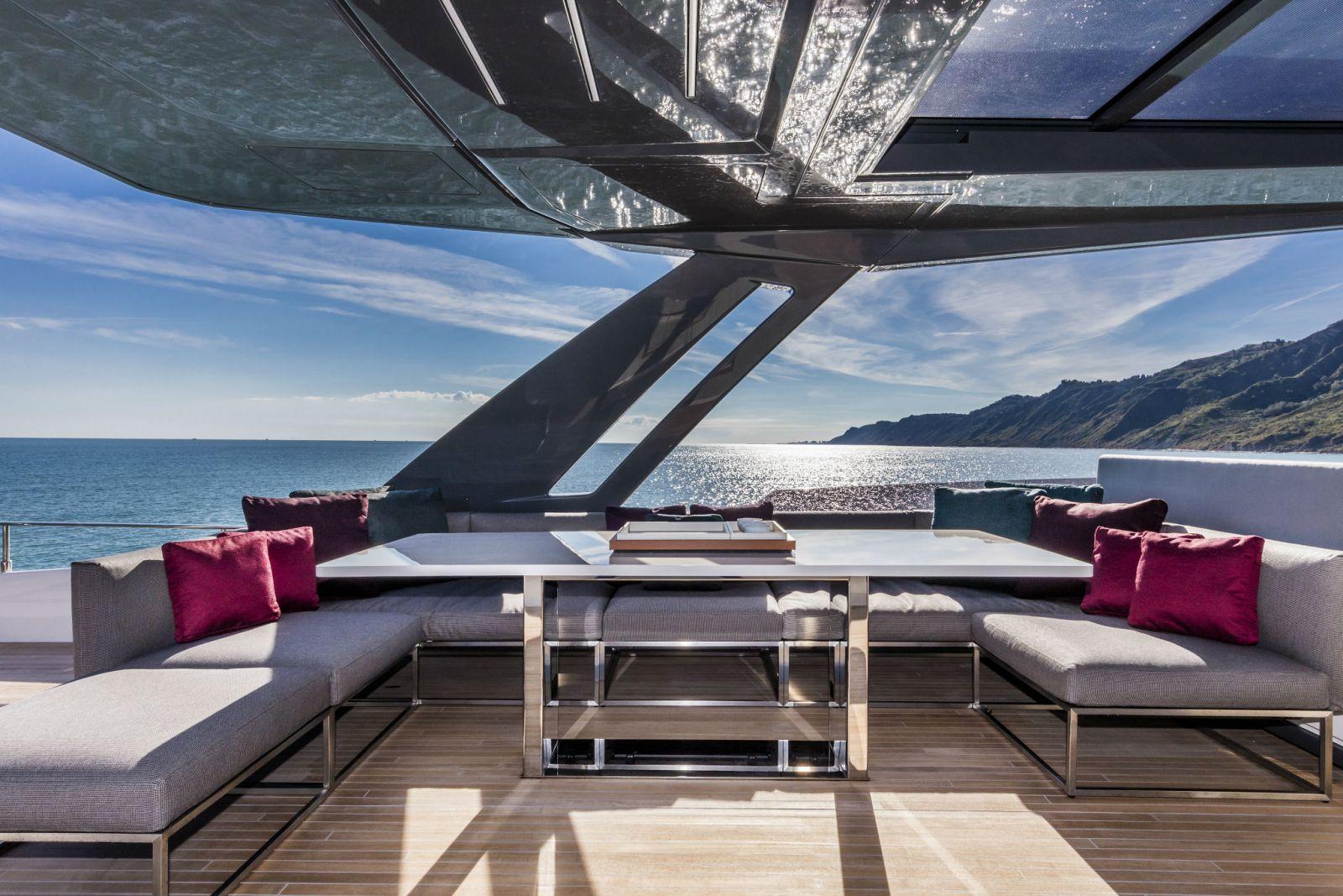 Ferretti Yachts 850 Flybridge - New Luxury Yacht for Sale >