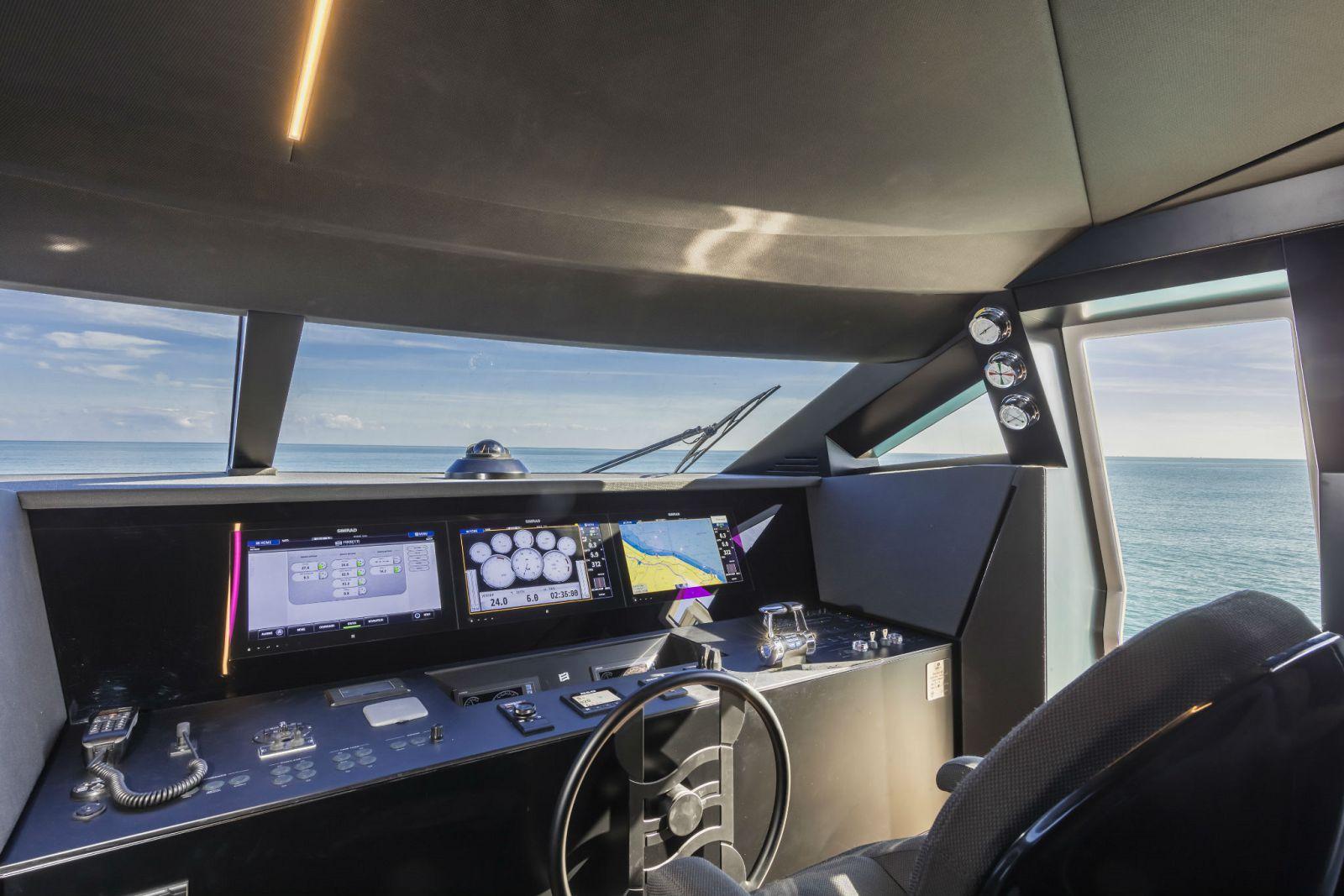 Ferretti Yachts 850 Helm - New Luxury Yacht for Sale >