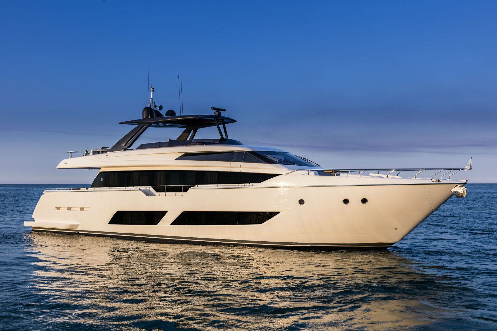 Ferretti Yachts 850 Exterior - New Luxury Yacht for Sale >