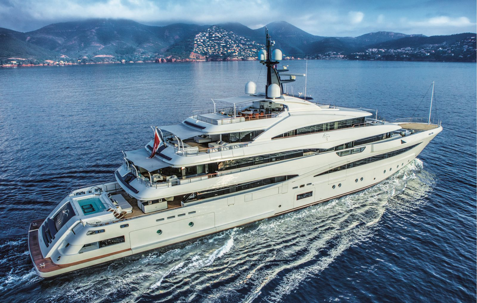Exterior of the CRN M/Y Cloud 9 in the ocean. >