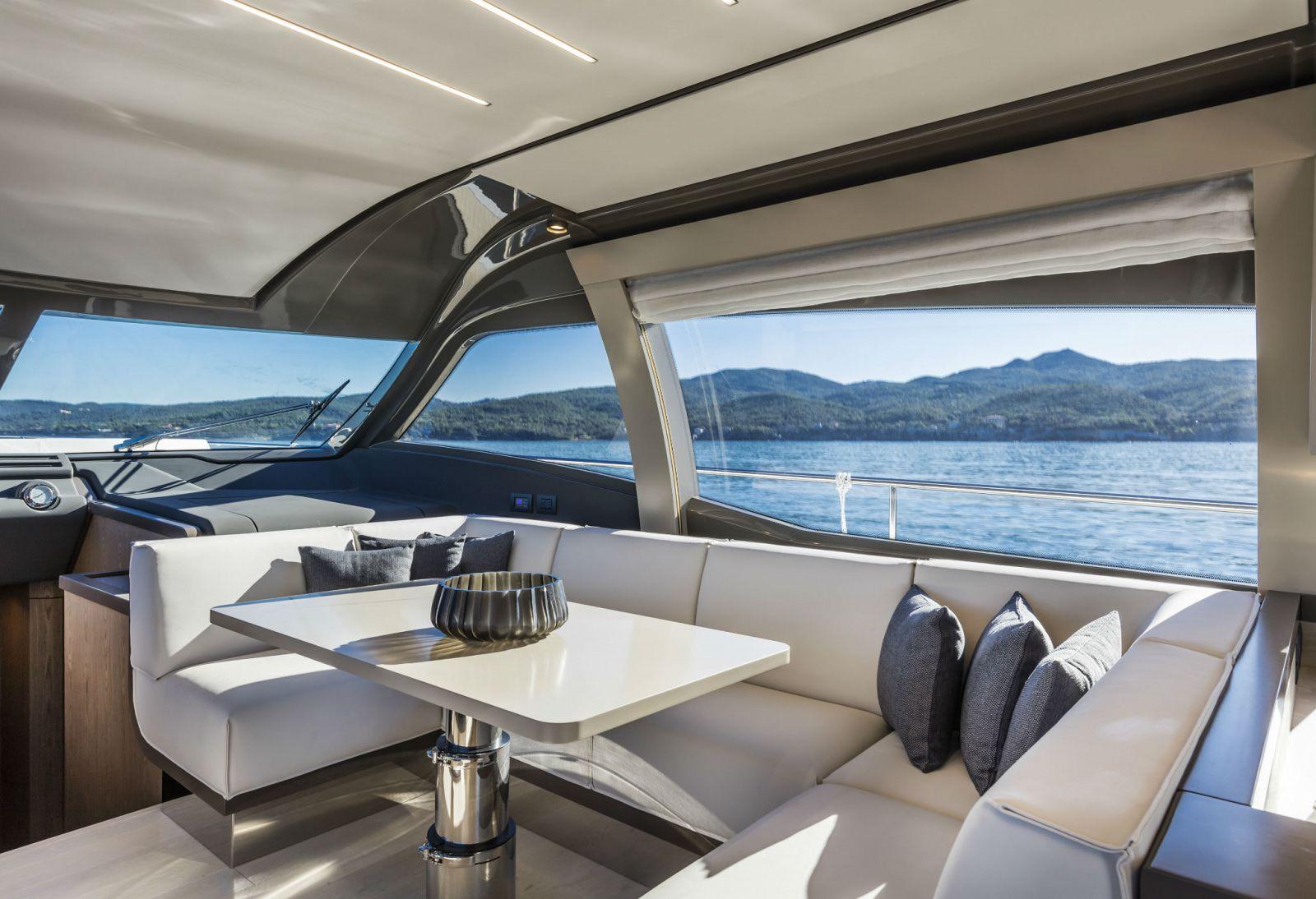 Ferretti Yachts 550 Salon - New Luxury Yacht for Sale >
