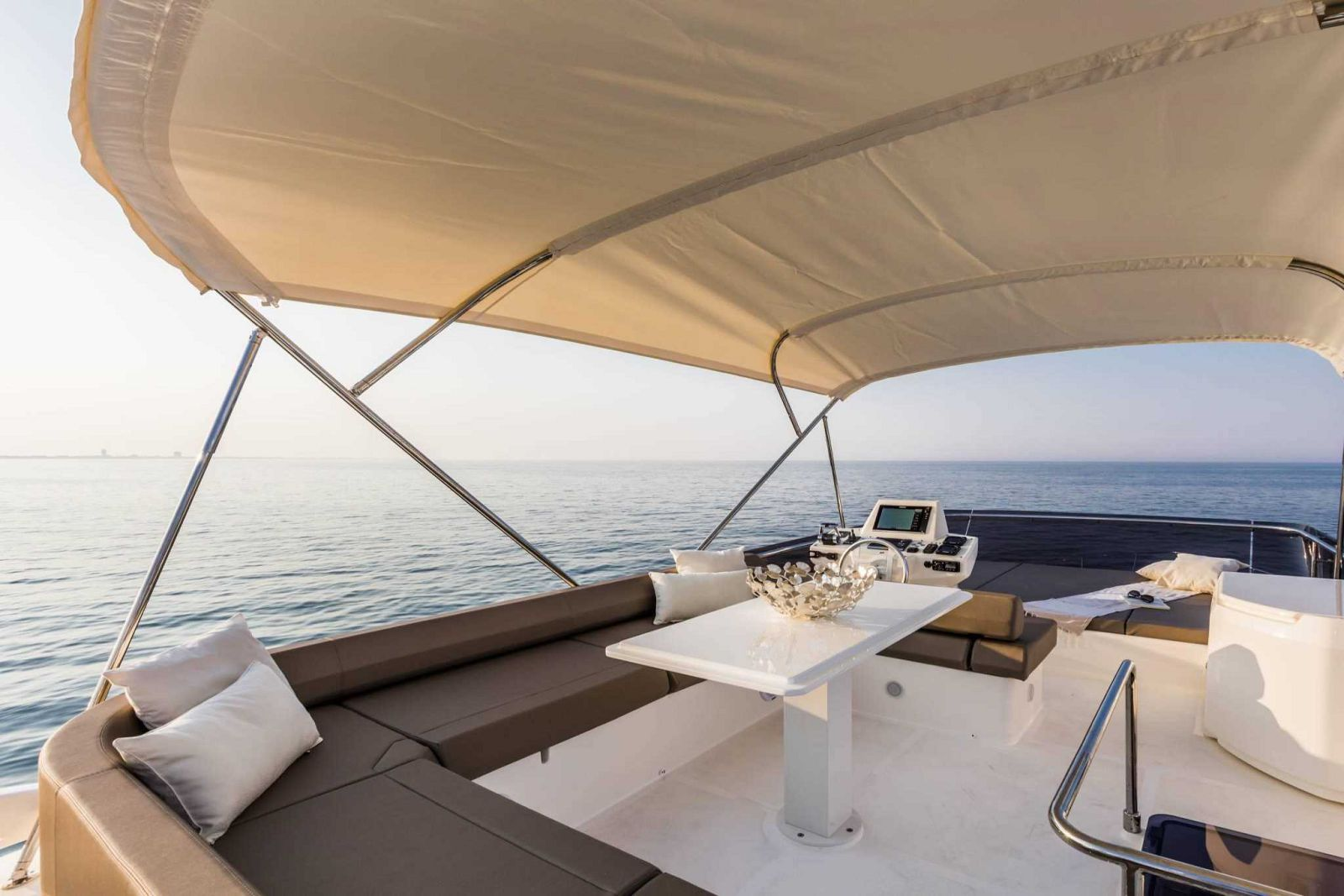 Ferretti Yachts 550 Flybridge - New Luxury Yacht for Sale >