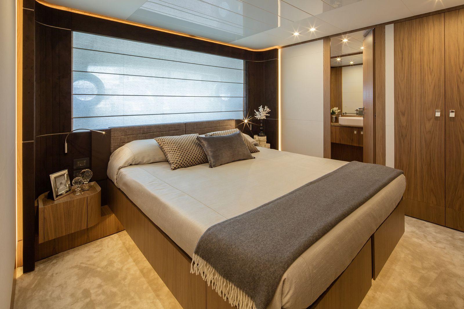 Ferretti Yachts 960 Cabin - New Luxury Superyacht for Sale >
