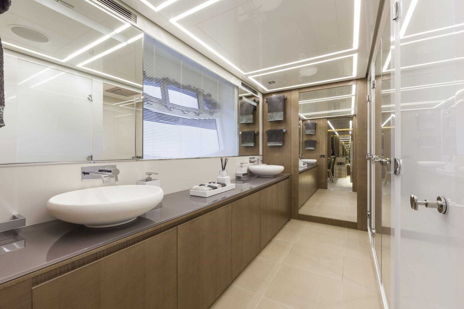 Pershing 108 Head - New Luxury Yacht for Sale >