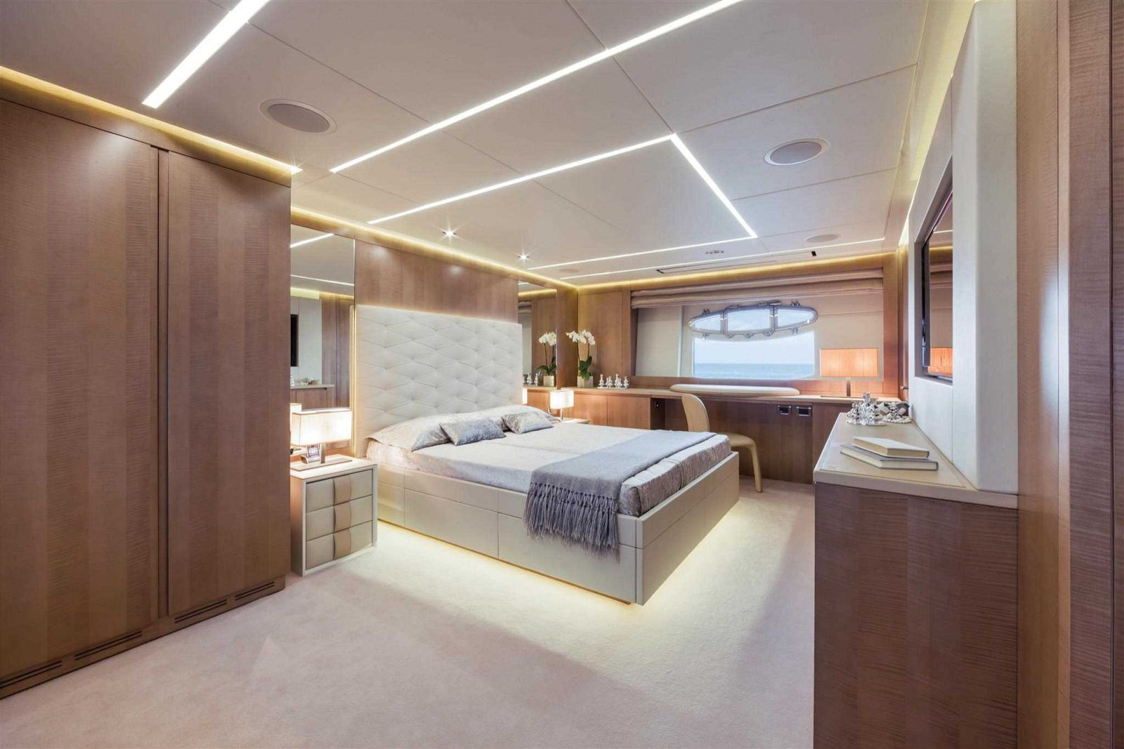 Pershing 108 Cabin - New Luxury Yacht for Sale >