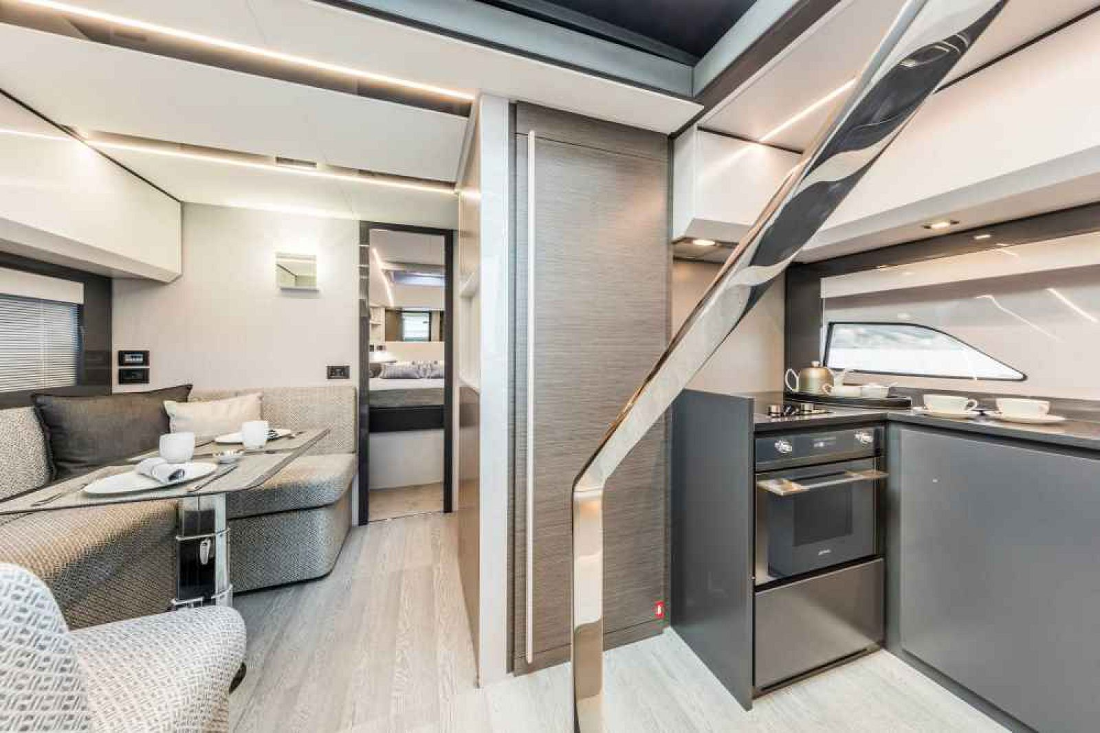 Pershing 5X yacht >