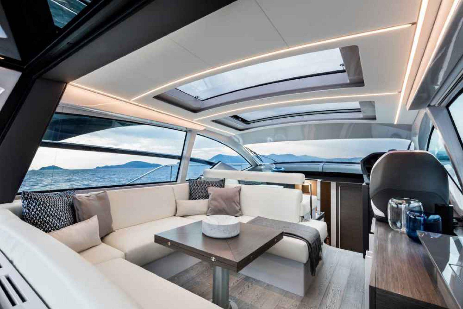 Pershing 5X boat >